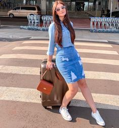 41 Stylish Denim Skirt Outfits Ideas For Women Denim Skirt Outfits, Casual Dress Outfits, Casual Summer Outfits, Modest Outfits, Classy Outfits, Stylish Outfits, Casual Skirts, Look Fashion, Fashion Outfits