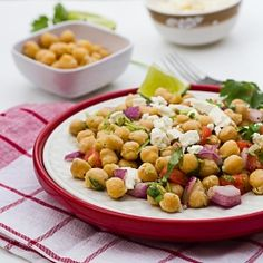 Light and Healthy Chickpea Salad. Healthy and colorful chickpeas salad. Healthy Salad Recipes, Veggie Recipes, Vegetarian Recipes, Healthy Foods, Chickpea Recipes, Cilantro, Feta, Legumes Recipe, Vegetarian Lunch