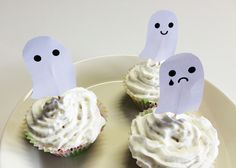 Kummitukset | lasten | askartelu | syksy | halloween | syksy | tulostettava | paperi | käsityöt | koti | DIY ideas | kid crafts | ghosts | free printable | Pikku Kakkonen