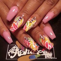 Pretty nail art design idea with rhinestone accents Nail Art Designs, Beautiful Nail Designs, Acrylic Nail Designs, Nails Design, Summer Acrylic Nails, Best Acrylic Nails, Pretty Nail Colors, Pretty Nails, Fabulous Nails