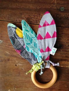 Feathers Baby Crinkle Toy, Wood Teething Ring, Colorful, Pink Triangles, Charcoal Grey, Aqua Turquoise, Teether, Sensory Toy, Stroller Toy