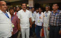 सांस्कृतिक संध्या में बेमेतरा विधायक श्री अवधेश सिंह चंदेल भी पहुंचे, जहाँ पंचायत प्रतिनिधियों ने उनका पुष्पगुच्छ से स्वागत कियाhttps://www.facebook.com/hamarcg2016/posts/1019792308118955