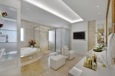 Tips to help you choose the perfect bathtub. Luxury Bathroom, Tub Remodel, Bathrooms Remodel, Dream Bathroom, Home, Bathroom Design, Stylish Flooring, Bathtub, Refinish Bathtub
