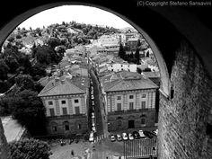 http://www.obiettivofotografia.it/stefanosansavini/gallerie/paesaggi/citta-italiane/firenze-in-bianco-e-nero-parte-1/