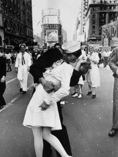 VJ day kiss!