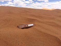 ¿Notáis los aires del Sahara? Pues nos traen este estupendo maquillaje fluido que contiene principios activos naturales con propiedades reafirmantes, hidratantes, regeneradoras y emolientes! Presume de una tez morena durante todo el año con SAHARA!