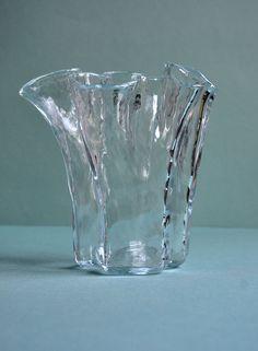 "Muurla ""Eva Vase"" by Pertti Kallioinen. Vase Design, Pottery, Glass Vase, Glass, Nordic, Glass Design, Vase, Vintage Designs"