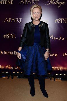 Doskonałość Mody 2014  Bardzo usztywniona Dorota Soszyńska. Klasyka dobra rzecz, ale nadmiar błysku bywa zgubny. Ciężkostrawne.  Więcej na Moda Cafe!