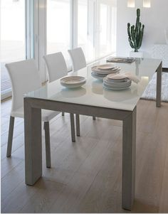 Montreal/A Extendible Table with Shining Painted Glass Top and Wenge or Grey Oak Legs and Profiles | ANTONELLO-MONTREAL/A-EXT/TBL-WENGE/GREY-OAK-SHINING-GLASS | Antonello Italiana
