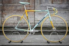 Vintage Bicycles For Sale, Vintage Cycles, Vintage Bikes, Antique Bicycles, Paint Bike, Bicycle Painting, Cycling Art, Cycling Quotes, Cycling Jerseys