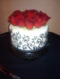 Black and White 1 tier wedding cake
