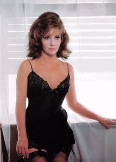 This lady was so fucking sexy fine that I would of when,t crazy in love with her if she would within my reach. Gina Lollobrigida, Italian Women, Italian Beauty, Italian People, Sophia Loren, Female Actresses, Actors & Actresses, Older Actresses, Vintage Hollywood