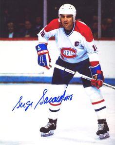 Serge Savard (C) : De coupe Stanley en coupe Stanley, Savard a beaucoup appris des vétérans qui l'ont précédé et est lui-même devenu l'un des meneurs de la formation. En 1978-1979, il remporta le trophée Bill-Masterton. L'automne suivant, il succéda à Yvan Cournoyer à titre de capitaine du Tricolore et porta fièrement le « C » jusqu'à sa retraite, à la fin de la saison 1980-1981.