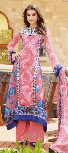 417373: #floral printed #SalwarKameez! Wear this style while going out with friends!#fallwinter2014