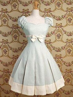 Alice in Wonderland Gothic Lolita Dress Pretty Outfits, Pretty Dresses, Beautiful Dresses, Cute Outfits, Emo Outfits, Gorgeous Dress, Kawaii Fashion, Lolita Fashion, Cute Fashion