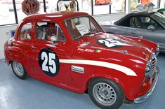 Mode Vintage, Vintage Cars, Austin Cars, Morris Minor, Old Race Cars, Art Tattoos, Motor Car, Ministry, Cool Cars