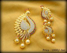 Gold Jewelry Simple, Gold Rings Jewelry, Jewelry Design Earrings, Gold Earrings Designs, Gold Jewellery Design, Beaded Jewelry, Gold Jhumka Earrings, Peacock Jewelry, Jewelry Model