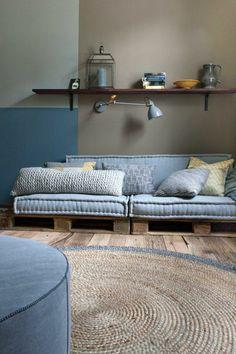 Peintures bleu baltique et blanc ivoire d co chambre for Peindre une piece en deux couleurs