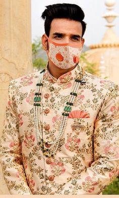 Mens Sherwani, Sherwani Groom, Wedding Sherwani, Indian Wedding Wear, Wedding Men, India Wedding, Wedding Decor, Groom Wear, Groom Outfit