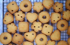 Image result for biscuit bunting Bunting, Biscuits, Potatoes, Vegetables, Image, Food, Crack Crackers, Garlands, Cookies