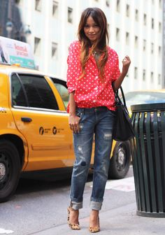 boyfriend jeans and colored polka dot shirt Moda Outfits, Fall Outfits, Casual Outfits, Cute Outfits, Tomboy Outfits, Fashion Blogger Style, Look Fashion, Womens Fashion, Fashion Blogs