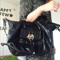 😎😜 Francesco Biasia Black Purse 🤗🤗 In a great condition! It goes with pretty much everything. Francesco Biasia Bags