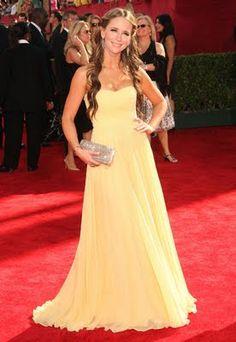 Vestido de Festa Amarelo Energia – Dicas e Modelos | Mundo das dicas