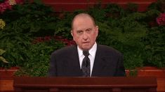 President Monson Wiggls His Ears GIF. 22 Animated Gifs that Prove Mormons aAre Awesome.