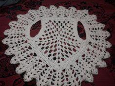 By me. Chaleco redondo tejido al crochet. (hecho a partiendo de una base pentagonal)   Aprender manualidades es facilisimo.com