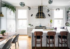 Dream Kitchen - A Designer's Home That Takes Wallpaper To The Next Level - Photos