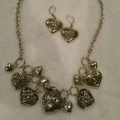 Necklace set Beautiful heart necklace with matching earrings! Jewelry Necklaces
