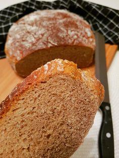 Knuspriges Sauerteigbrot :: Bella-cooks-and-travels Bread, Cooking, Food, Homemade, Food Food, Simple, Kitchen, Brot, Essen