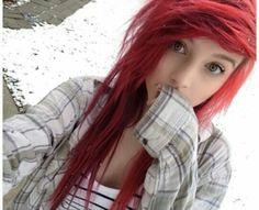 alex dorame with red hair Green Hair, Blue Hair, Lilac Hair, Tim Burton, Cute Emo Girls, Goth Girls, Pretty Girls, Red Scene Hair, Alex Dorame