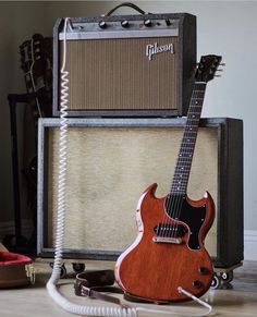 Gibson Sg Junior, Vintage Les Paul, E Electric, Guitar Rig, Vintage Music, Vintage Guitars, Music Stuff, Acoustic, Rock And Roll