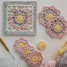 This Pin was discovered by Ayn Crochet Blocks, Granny Square Crochet Pattern, Crochet Flower Patterns, Crochet Squares, Crochet Blanket Patterns, Crochet Motif, Crochet Stitches, Crochet Baby, Knitting Patterns