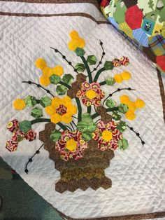Strand Quilters in Cornwall. Photo by Paula Trescothick Quilting Templates, Quilt Patterns Free, Quilting Projects, Hexagon Patchwork, Hexagon Quilt, Patchwork Ideas, Pach Aplique, Basket Quilt, Beaded Cross Stitch