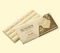roshen aerated white chocolate russian Chocolate Biscuits, White Chocolate, Sweets, Desserts, Cakes, Yummy Food, Chinese Architecture, Beverage, Tailgate Desserts