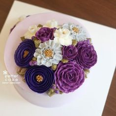 Done by student of Better class (베러 정규클래스/Regular class) www.better-cakes.com  #buttercream#cake#베이킹#baking#koreanstyle#like#버터크림케익#베러케이크#yummy#flowes#수제케익#sweet#플라워케이크#foodporn#birthday#wedding#디저트#bettercake#dessert#버터크림플라워케이크#follow#food#piping#beautiful#flowerstagram#instacake#koreancake#꽃스타그램#베이킹클래스#instafood#