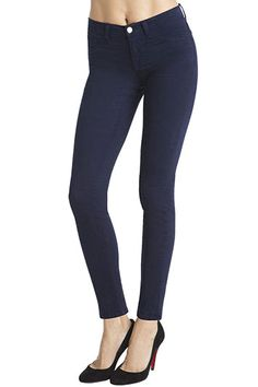 Fitted from hip to ankle and with slightly higher-rise, the mid-rise skinny leg is your go-to classic. Wear them with heels or flats. The super-tight fit slips right into boots with no folding or rolling.Skinny LegMid-RiseFaux Front Pockets10-Inch Leg Opening30-Inch Inseam7.5-Ounce Japanese Luxe Twill98-Percent. Cotton, 2-Percent. LycraMade in USA