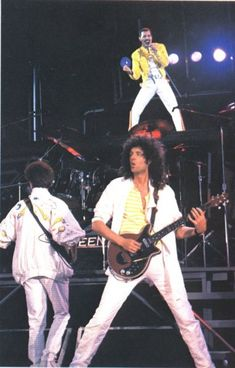 Queen Live at Wembley, London, England ~ Saturday 12 July 1986