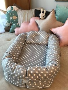 Baby Nest Pattern, Snuggle Nest, Baby Nest Bed, Cute Babies Photography, Baby Shower Decorations For Boys, Baby Size, Baby Sewing, Baby Accessories, Snuggles