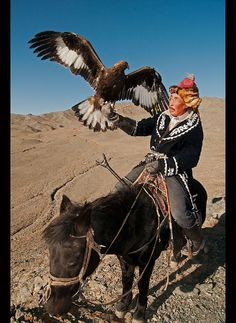 The Eagle Hunters of Mongolia – Photo Essay by Dave Stamboulis