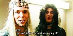 5 Seconds of Summer || Ashton Irwin ad Calum Hood ready to take their wigs off
