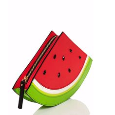 Get the trendiest Clutch of the season! The Kate Spade Splash Out Watermelon Exquisite Design with Witty Summer Chic Red Green Black Leather Clutch is a top 10 member favorite on Tradesy. Best Leather Wallet, Leather Clutch, Gucci Handbags, Purses And Handbags, Novelty Handbags, Watermelon Purse, Summer Chic, Cute Purses, Sunglasses Case