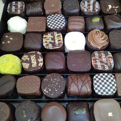 """Merci @petite_sonia : """"Un chocolat avec votre thé ou votre café ?"""""""