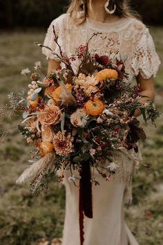 Fringe Wedding Dress, Boho Wedding Bouquet, Fall Wedding Flowers, Bride Bouquets, Bridal Flowers, Floral Wedding, Lace Wedding, Autumn Wedding Dresses, Autumn Flowers