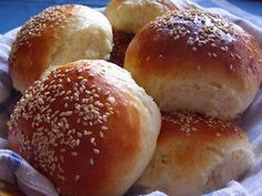 Hamburger zsemle | HahoPihe Konyhája - Receptneked.hu Bread Dough Recipe, Hamburger, Cravings, Recipies, Food And Drink, Baking, Crack Bread, Recipes, Patisserie