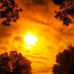 It's a blublocker kind of morning!!     #manualblublockerfilter #sun #blublocker #iphoneogrophy #cloudporn #sky #stl by ccfenter, via Flickr