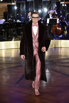At Dolce & Gabbana's New York City Alta Sartoria Show, a Dazzling Display of Everything From Razor-Sharp Tailcoats to Louisville Sluggers
