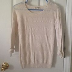 Sweater Top Cream sweater top, perfect condition. Great with jeans and boots. Sweaters